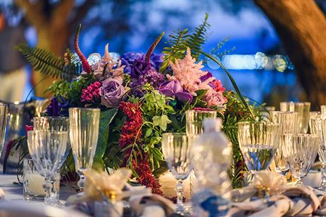 elegant-summer-wedding-athens-hanging-crystal-chandeliers-fresh-flowers_20
