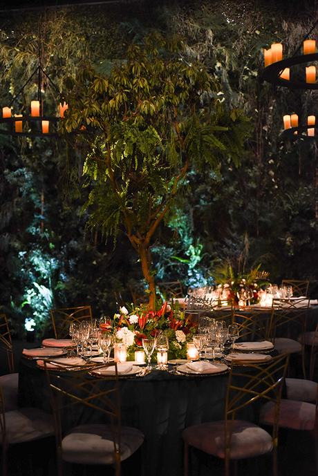 impressive-garden-wedding-decoration-atmospheric-lighting_05