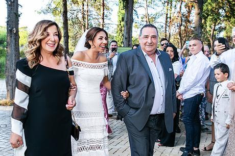 gorgeous-fall-wedding-thessaloniki-white-flowers_16