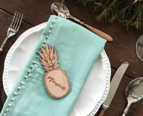 wedding place card ideas pineapple shaped card