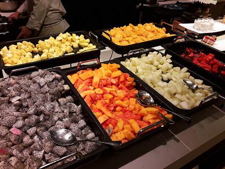 peeled and sliced fruits