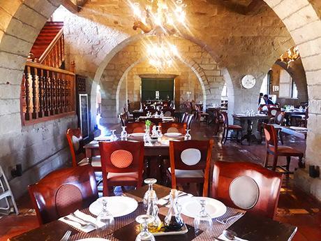 restaurant inside Las Casas