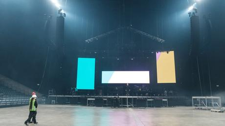 Behind the Scenes of The Minds of 99 Arena Tour