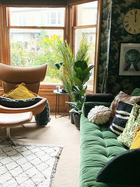 House tour with The Girl with the Green Sofa - eclectic and vintage living room