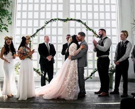 instrumental wedding songs newlyweds kissing wedding ceremony