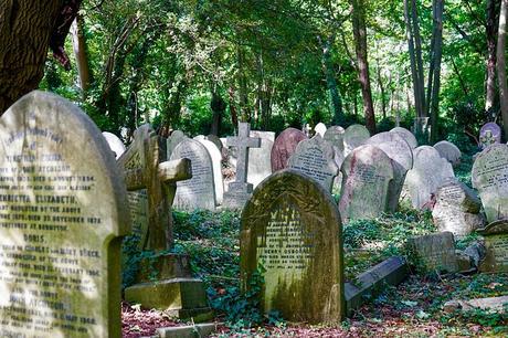 cemetery-stone-grave-tomb