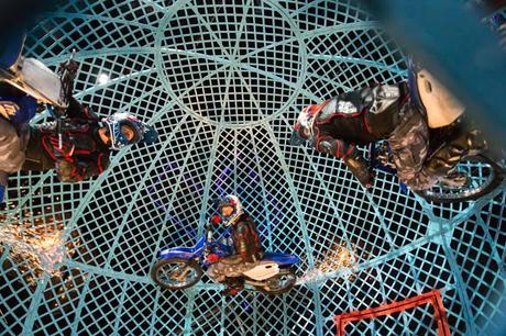 A Night At The Circus: Cirque Berserk! Comes To Exeter