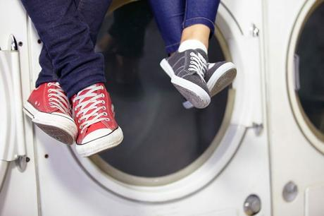 How To Clean Canvas Shoes – Simple Effective Ways