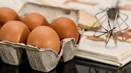 Image: Eggs and Cookbook, by Steve Buissinne on Pixabay
