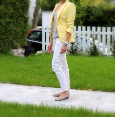 The yellow blazer