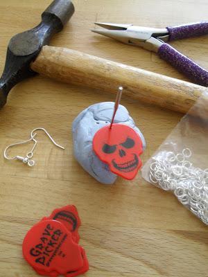Ta-dah! Tuesday - Rock n' Roll earrings How-to