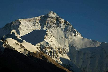 Everest 2012: Speed Attempt Still Underway
