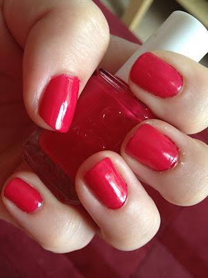 notd: my very first essie nail polish
