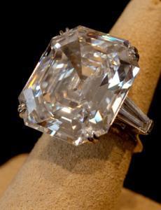 Elizabeth Taylor, diamond, taylor burton diamond, raymond lee jewelers, big diamonds boca