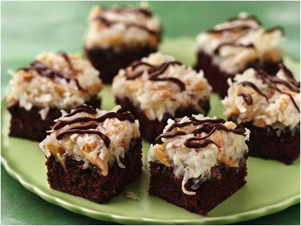 This Week's Make Me, Bake Me: Almond Macaroon Brownie Bars