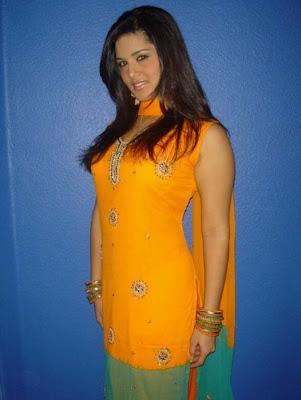 Sunny Leone In Indian Dress Shalwar Kameez Latest Photo