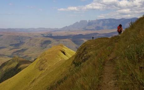 drakensberg mountains trail