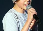 JUStin Bieber Announces Trip