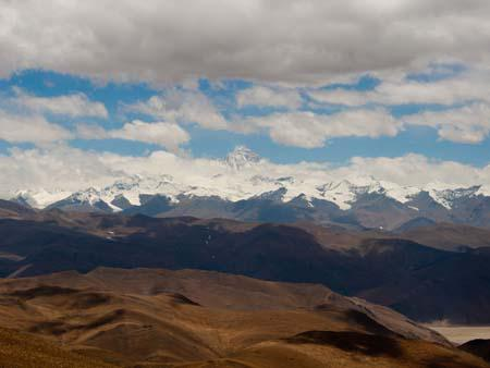 View Mount Everest from Pang-la pass at 5050 metres