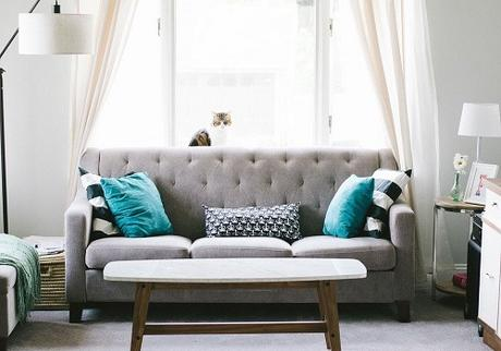 How to Decorate the Interior in a Modern and Minimalistic Way