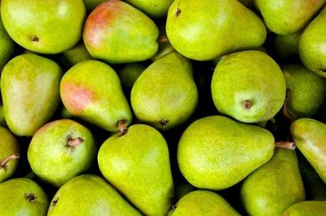 Everyone loves a nice, juicy pear! With lots of health benefits, every Mom wonders: Can I give my Baby Pear? Find out how and when your baby can have pear.