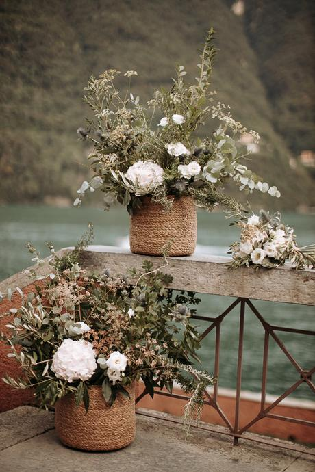 stylish-romantic-wedding-italy-wonderful-floral-arrangements_24