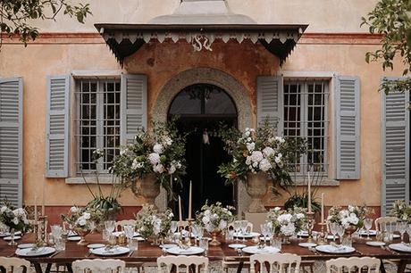 stylish-romantic-wedding-italy-wonderful-floral-arrangements_26