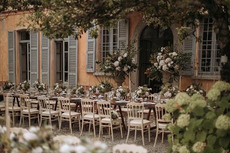 stylish-romantic-wedding-italy-wonderful-floral-arrangements_25