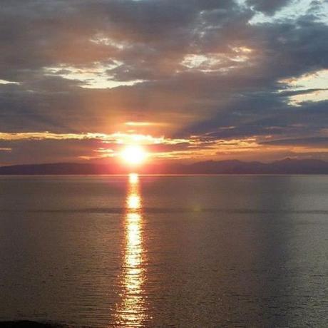 No caption, just enjoy. . . . #sunset #culzeancastle #horizonzerodawn #thesky #thesea https://ift.tt/2UIumcz