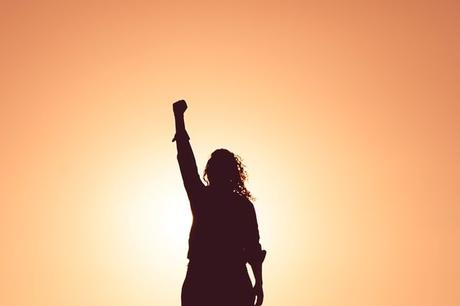 Be Brave: Raising Girls That Stand Up, Speak Out, & Embrace Their Feminine Power