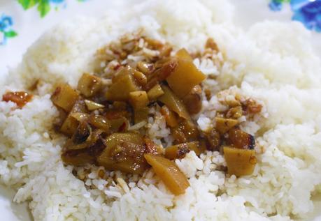 🎥 Filipino Foods - Boiled Swamp Cabbage or River Spinach (aka Kangkong) with Ginamos.