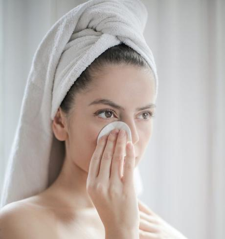 Don't worry if you're running low on your usual products! Instead, try these Natural Alternatives to Everyday Personal Care; you'll look and feel better!