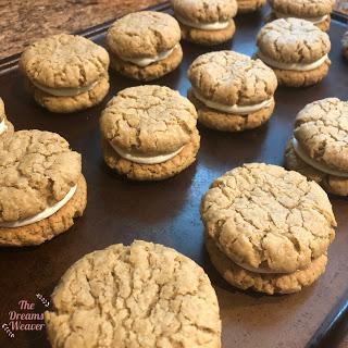 Oatmeal Cream Whoopie Pies ~ The Dreams Weaver