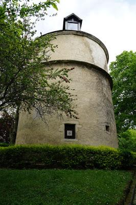 A 14th-century tower in the Paris suburbs