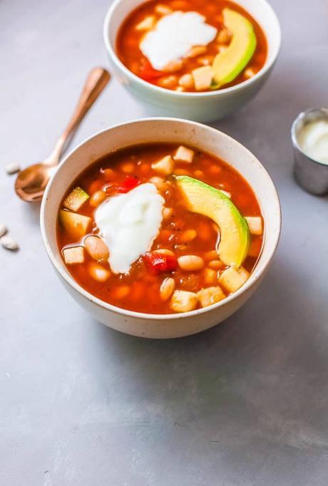 Slow Cooker Vegan White Bean Soup