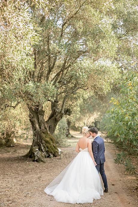 romantic-summer-wedding-wonderful-olive-grove-kefalonia-island_03