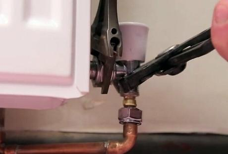 removing a radiator valve