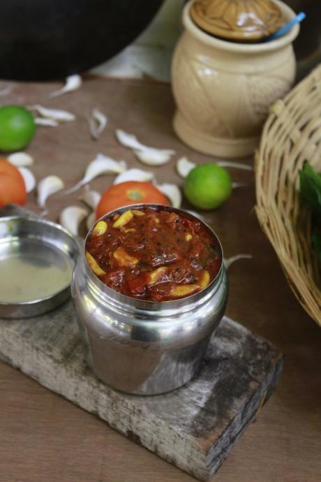 Poondu Thakkali thokku | Tomato Garlic thokku