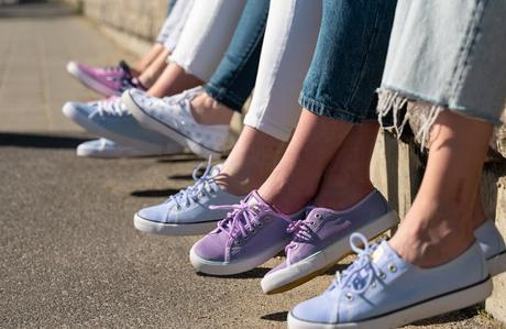 SUNS Shoes Launches New Line of Eco-Friendly, UV Color-Changing Shoes