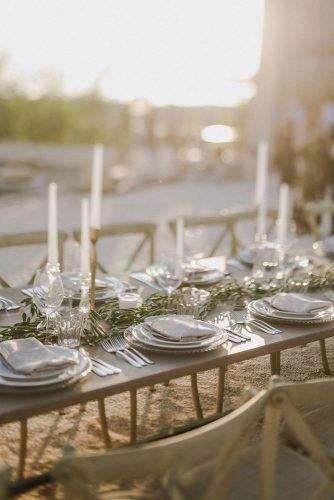 vine yard wedding weekend extravaganza greenery tablerunner zeev_damon