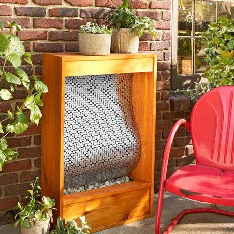 10 diy outdoor projects paperblog for Easy diy outdoor water features