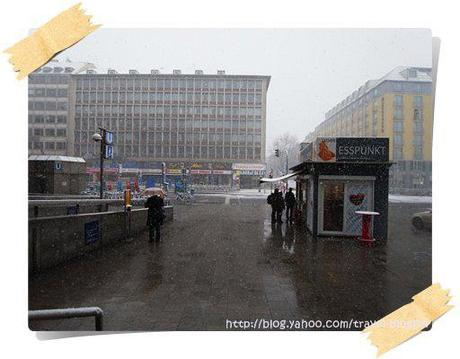 Snowing in Munich (Snapshots)