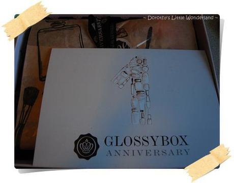 Glossybox anniversary box: Attractive?