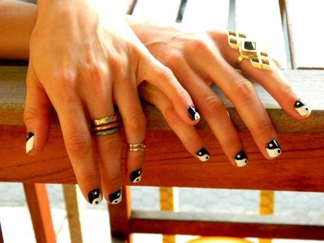 yin yang nails