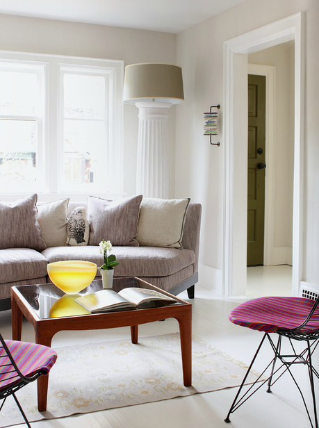 Simple but lovely living rooms
