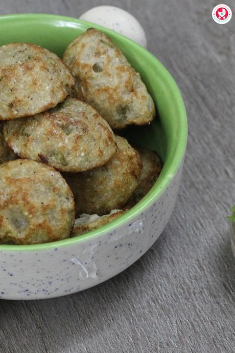 Here is a simple yet nutritious recipe, Jowar (Sorghum) Appe / Chola kuzhi paniyaram for Kids, which is delicious and suitable for toddlers to adult.