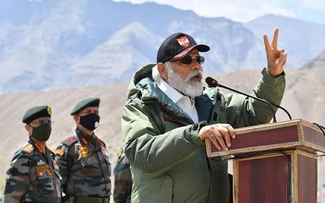 PM Modiji visits Ladakh ~ quotes Thiruvalluvar