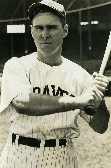 This day in baseball: Holmes's hit streak continues