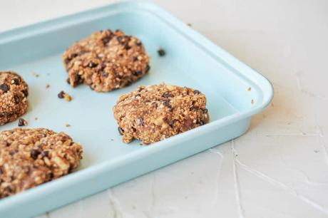 Vegan Oatmeal Cookies with Chocolate Chips