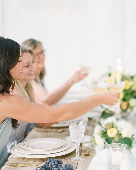 how to tip wedding vendors wedding reception guests